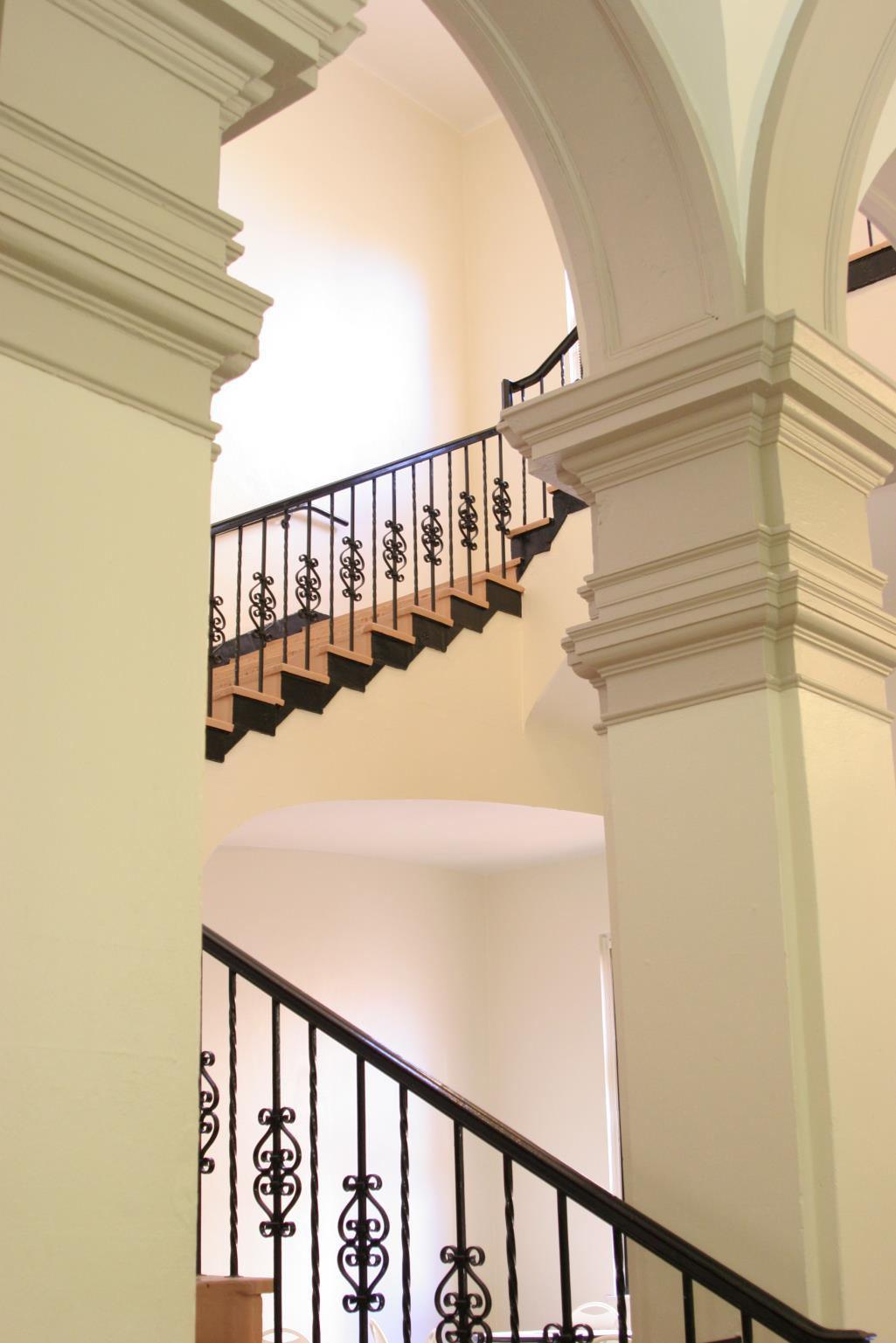 Photo of the grand staircase at Sarasota Historic Courthouse.