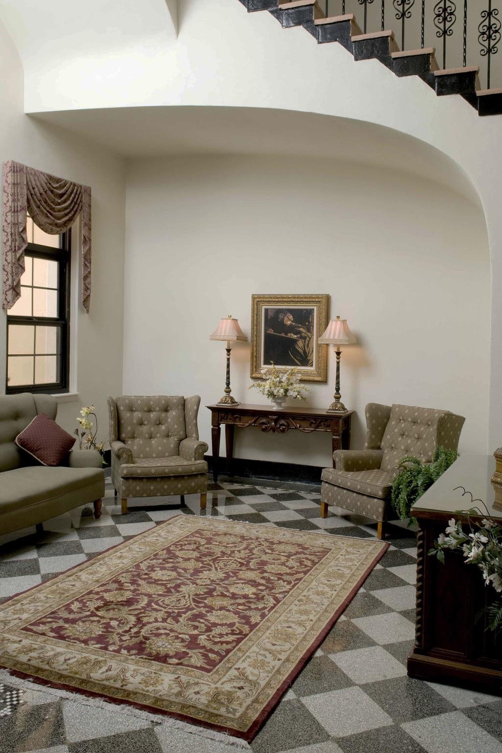 Photo of vintage-style marriage parlor at the Historic Courthouse in Sarasota, FL